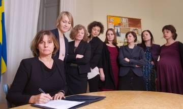 Swedish deputy PM Isabella Lovin mocks Donald Trump with all-female photo