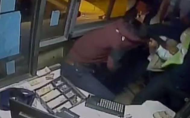 Two men beat up toll employee in Gurugram