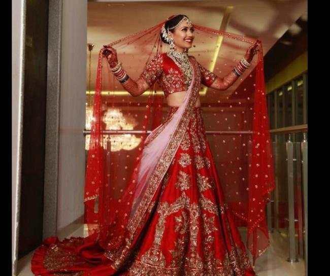 In Pics Manish Malhotra S Top 10 Bridal Style Lehenga With A Twist