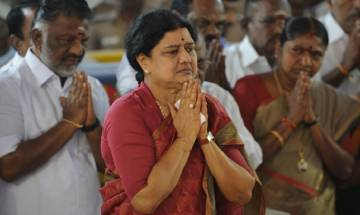 Tamil Nadu Political Crisis: Jayalalitha's nephew backs OPS, MK Stalin turns to Rahul Gandhi