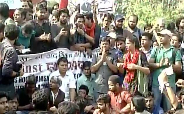 Kanhaiya Kumar, Shehla Rashid have joined protest over Ramjas Row at DU's Arts Faculty (ANI Image)