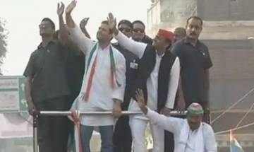 UP Elections 2017: SP, BJP workers clash at Akhilesh-Rahul roadshow