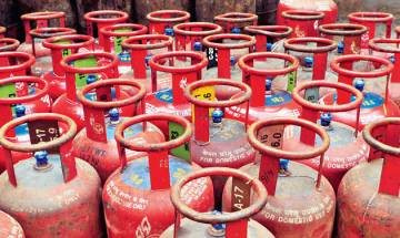 Aadhaar to be a must for women in BPL households to get free LPG connection