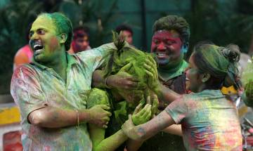 Check out some easy tips to protect your hair during holi