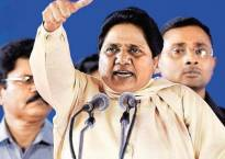 Mayawati alleges tampering with EVM machines, gets support from SP, Congress