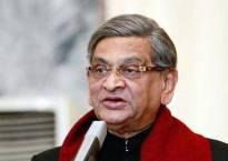 Former Congress veteran SM Krishna formally joins BJP