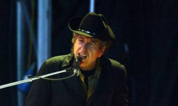 Music icon Bob Dylan to receive Nobel prize at Swedish Academy in Stockholm this week