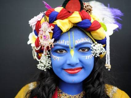 Muslim girl plays Lord Krishna at Ramakrishna Mission's