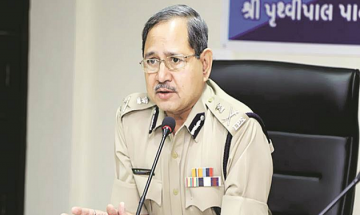 SC allows Gujarat govt to accept DGP PP Pandey's resignation offer