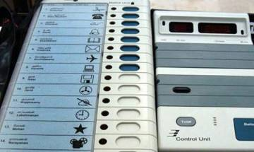 SC seeks responses from Centre, EC on a plea filed by BSP challenging EVM use without VVPAT