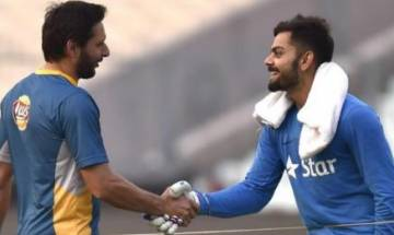 Shahid Afridi gets special retirement gift from team India