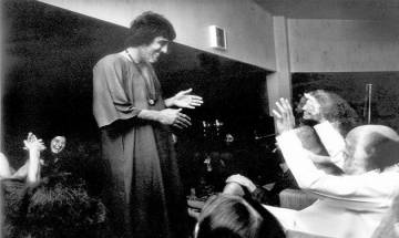 Throwback Thursday: Vinod-Osho connection: When Khanna took a five year Bollywood-break followed by Rajneesh's spiritual path