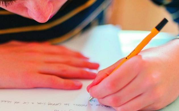 People with slender faces more likely to be left-handed (Source: PTI)