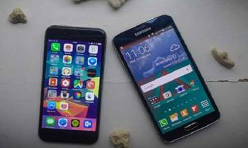 Samsung, Apple in top positions in global smartphone market in first three months, says IDC