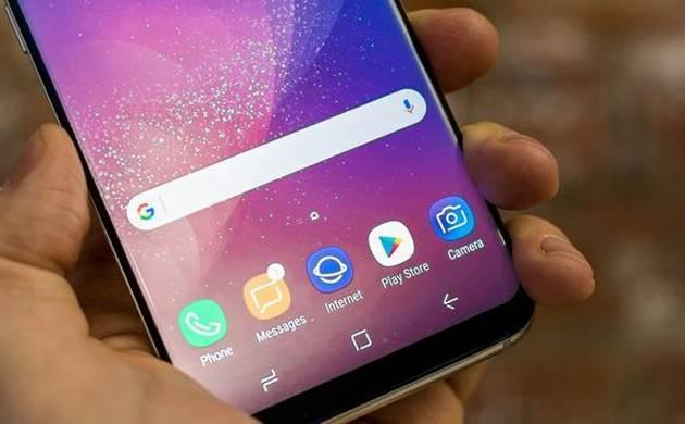 Samsung Galaxy S8 users report of phone randomly restarting