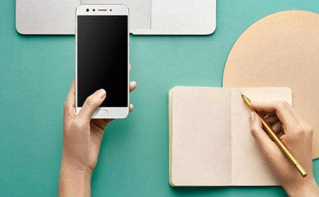 'Oppo F3' with dual front cameras launched at Rs 19,990 (Source: Oppo)