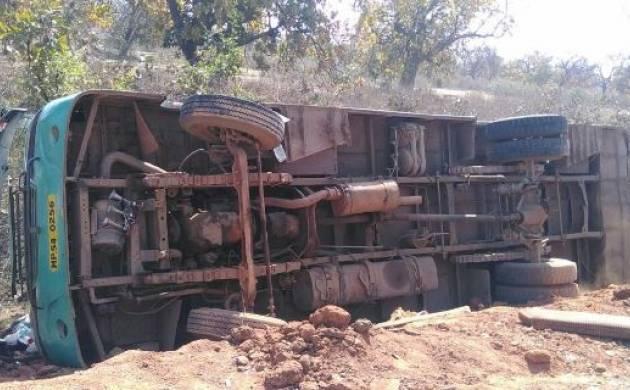 Uttar Pradesh : 14 dead over 24 injured as mini truck overturns in Etah (Representational Image)
