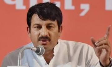 Manoj Tiwari demands Kejriwal's resignation from Delhi CM's post, thanks Kapil Mishra for exposing him