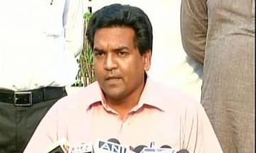 Kapil Mishra attacked by alleged AAP supporter during his 'Satyagraha', attacker arrested by police