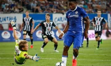 Michy Batshuayi dramatic late winner helps Chelsea lift Premier League title