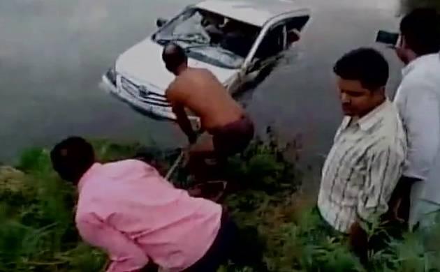 Uttar Pradesh: 10 dead as car falls into canal near Mathura (Image Source ANI)