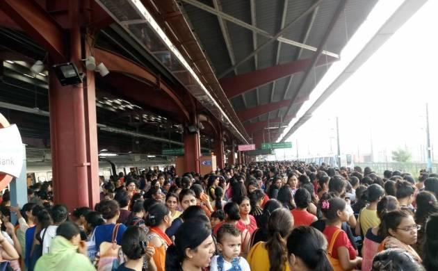 Delhi Metro Blue Line glitch creates chaos at Yamuna Bank station (Newsnation Image)