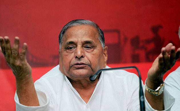 Mulayam attends dinner hosted by UP CM for PM, Mayawati skips