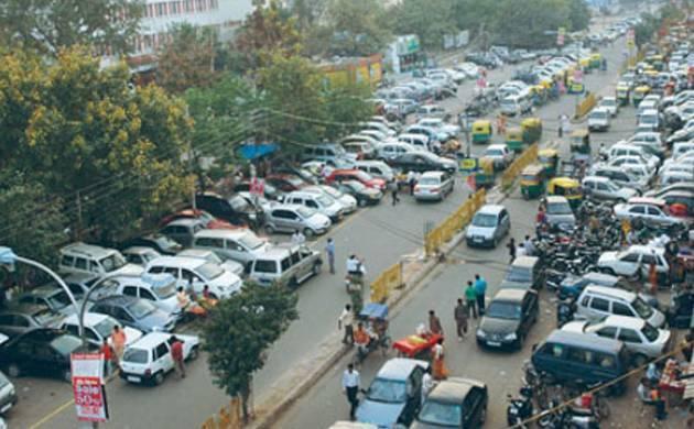 Delhi: Sarojini Nagar, Baba Kharag Singh Marg declared no parking zones