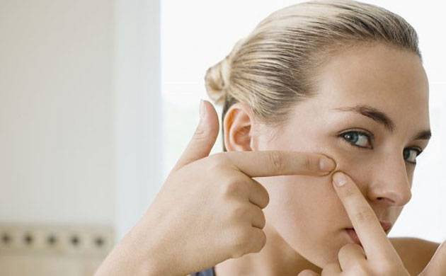 Know how to take care of Oily and Dry skin this Monsoon