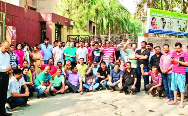 Parents protest outside school - Representative image