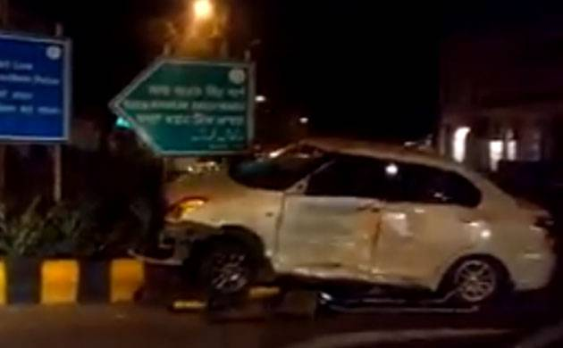 Delhi: Two people injured in swift car and van's collision
