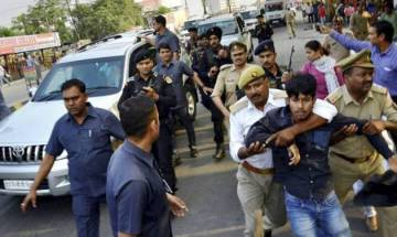 Students who showed black flags to Adityanath get bail from session court