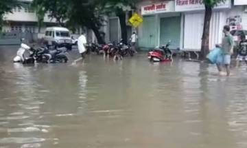 Heavy Rains in Mumbai affect Harbour Line services, lead to traffic delay