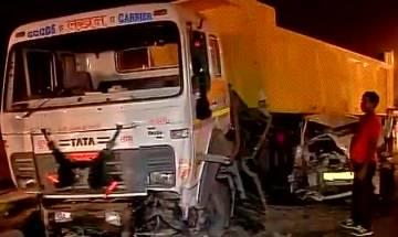 Delhi: Dumper truck rams into 4 cars on AIIMS flyover; 6 injured