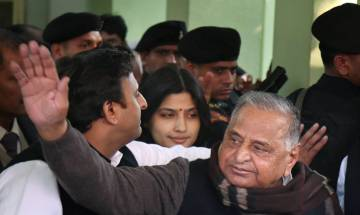 Presidential Election 2017: Samajwadi Party divided in two camps, Mulayam and Akhilesh camp likely to vote for rival candidates
