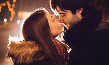 People lean right when they kiss. Know why