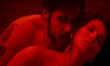 'Baadshaho' song 'Piya More': Sunny Leone, Emraan Hashmi chemistry turns on the heat in this sizzling number