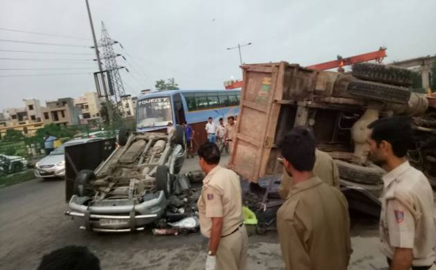 Delhi: 6 dead, 3 injured after truck and dumper collide on NH-24