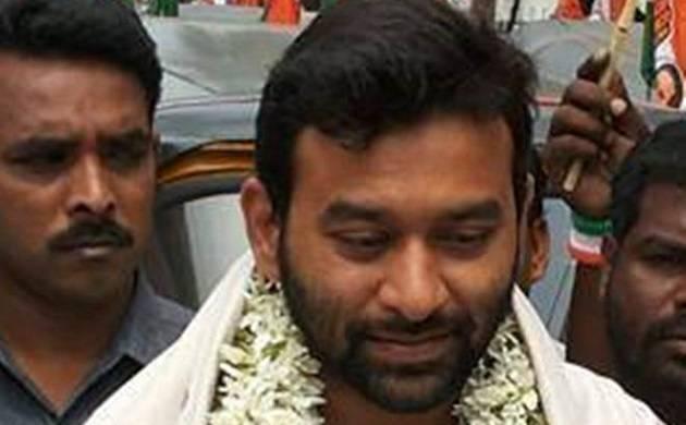 Son of former Andhra Pradesh minister shot at in Hyderabad
