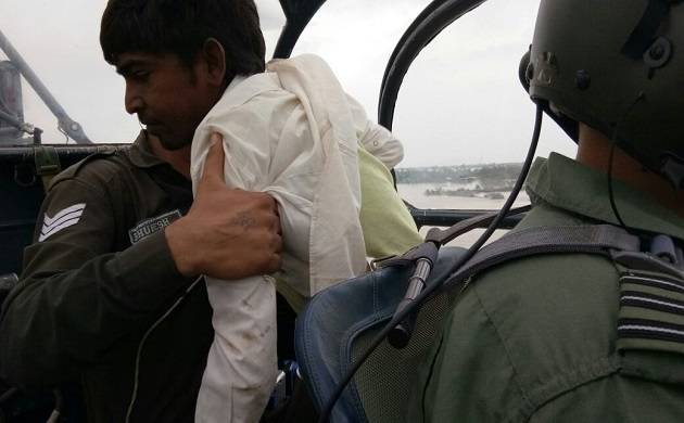 IAF personnel rescuing a kidney patient in Gujarat. (Source: Ministry of Defence)