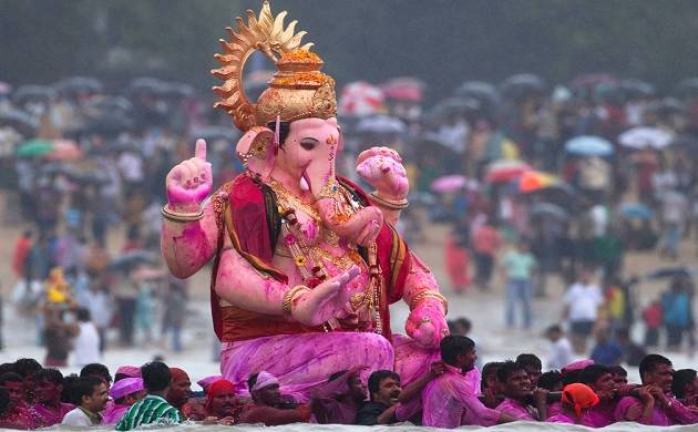 Maha CM Fadnavis launches 125th year celebrations of Ganesh festival