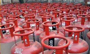 Subsidised LPG price hiked by Rs 7 per cylinder, domestic gas to cost Rs 487.18 in Delhi