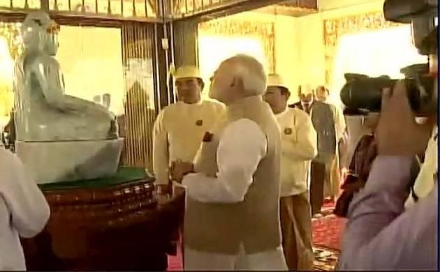 On three-day of tour, Prime Minister Narendra Modi visits Shwedagon Pagoda in Myanmar. (Source: ANI)