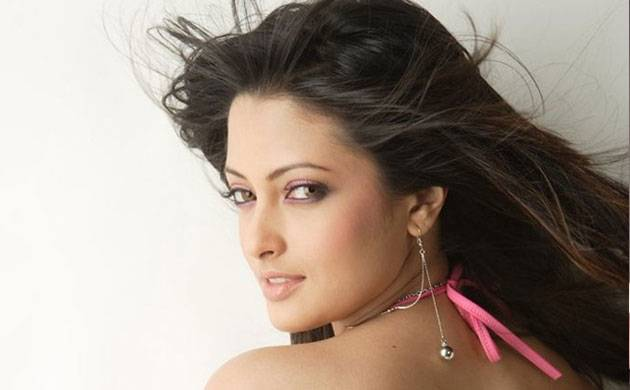 Newly-wed Riya Sen clears air on her pregnancy rumors, says 'it was an expected speculation'