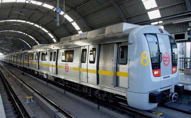 Delhi Metro runs with one gate open from Chawri Bazar to Kashmere Gate station