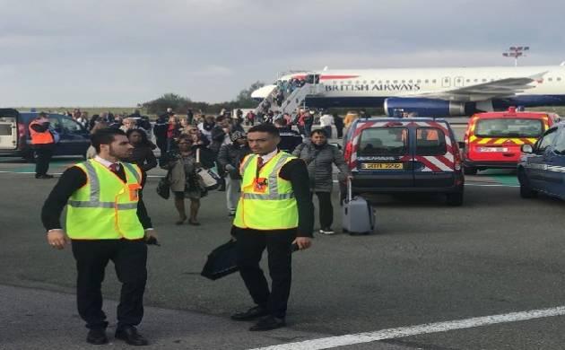 British Airways flight evacuated in Paris after bomb threat. (James Anderson/Twitter)