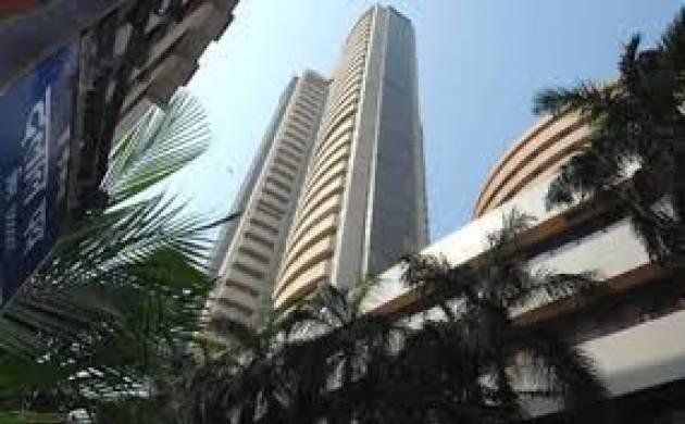 Sensex tumbles 440 pts ahead of F&O expiry(File Photo)