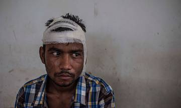 Rohingya refugees fleeing violence in Myanmar attacked by mob in Sri Lanka