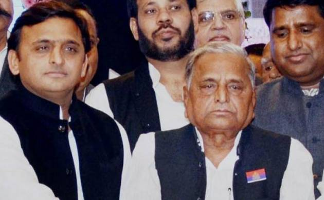 UP: Yadav clan heading for appeasement, Akhilesh invites father to SP meet (File/PTI)