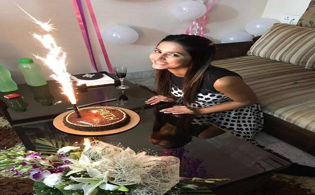Picture credits-Hina Khan's Twitter